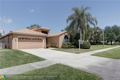 Delray Beach Single Family Home For Sale: 3955 Sabal Lakes Rd