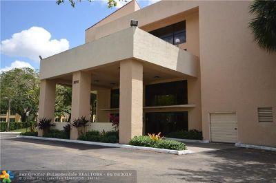 Plantation Condo/Townhouse Backup Contract-Call LA: 8592 W Sunrise Blvd #301