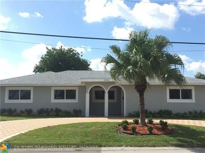 Pompano Beach Single Family Home For Sale: 2200 SE 9th St