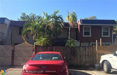 North Miami Condo/Townhouse For Sale: 1719 NE 142nd St
