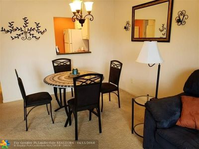 North Lauderdale Condo/Townhouse For Sale: 8100 SW 24th St #210