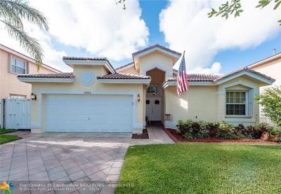 Sunrise Single Family Home For Sale: 13812 NW 22nd St