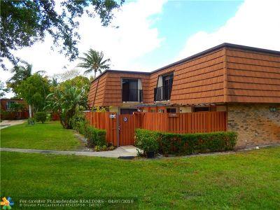 Davie Condo/Townhouse For Sale: 9146d SW 23rd St #9146D