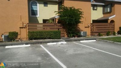 Tamarac Condo/Townhouse For Sale