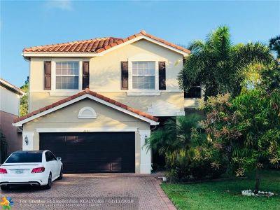 Boynton Beach Single Family Home For Sale: 8091 Brigamar Isles Ave