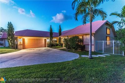 Boca Raton Single Family Home For Sale: 22870 Greenview Ter