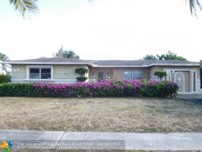 Lauderhill Single Family Home For Sale: 4940 NW 18th St