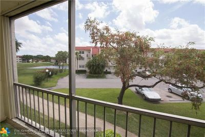 Pembroke Pines Condo/Townhouse For Sale: 311 S Hollybrook Dr #201