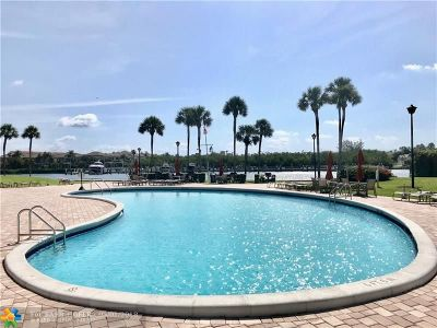 Boca Raton Condo/Townhouse For Sale: 859 Jeffery St #404