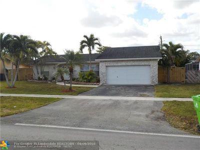 Sunrise Single Family Home For Sale: 10640 Sunset Strip