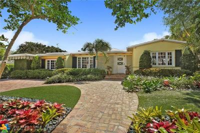 Single Family Home For Sale: 700 Poinciana