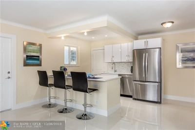 Pompano Beach Condo/Townhouse For Sale: 3201 NE 5th Ct #2