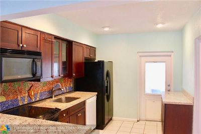 Oakland Park Single Family Home For Sale: 636 NW 45th St