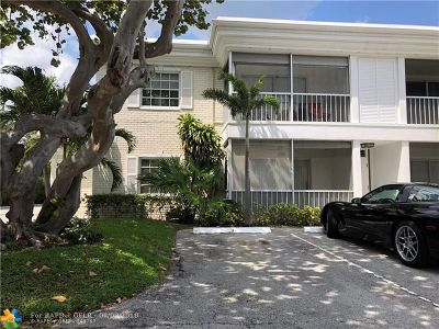 Fort Lauderdale Condo/Townhouse For Sale: 6239 Bay Club Dr #1