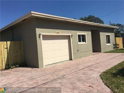 Lake Worth Single Family Home For Sale: 822 Latona Ave