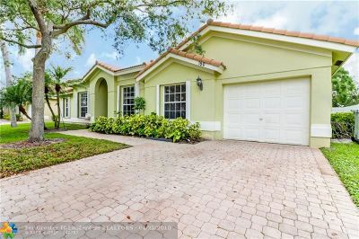 Pompano Beach Single Family Home For Sale: 150 Mirage Ave