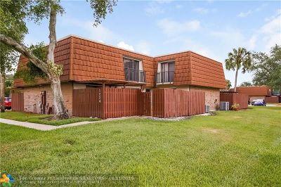 Davie Condo/Townhouse Backup Contract-Call LA: 1224 SW 118th Ter #1224