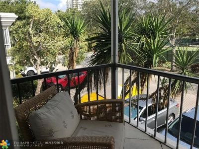 Fort Lauderdale Condo/Townhouse For Sale: 6427 Bay Club Dr #4