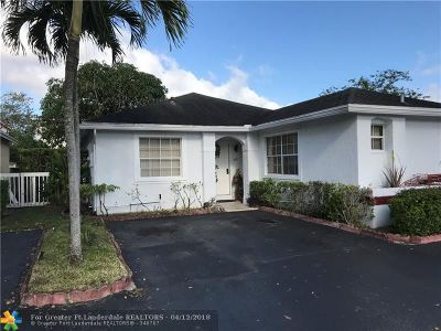 Pembroke Pines Single Family Home For Sale: 11771 NW 12th St