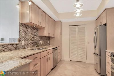 Fort Lauderdale Condo/Townhouse For Sale: 350 SE 2nd St #1550