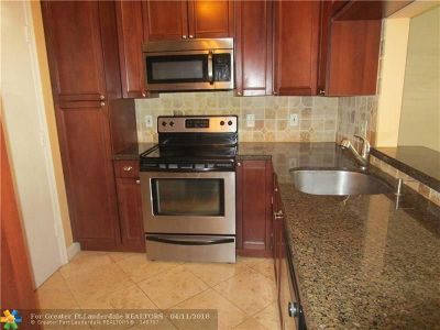 Fort Lauderdale Condo/Townhouse For Sale: 1821 NE 62nd St #403