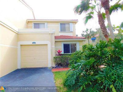 Deerfield Beach Condo/Townhouse For Sale: 3452 Deer Creek Palladian Cir #3452