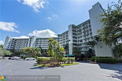 Pompano Beach Condo/Townhouse For Sale: 2334 S Cypress Bend Dr #509