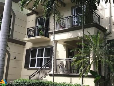 Wilton Manors Condo/Townhouse For Sale: 2609 NE 14th Ave #112