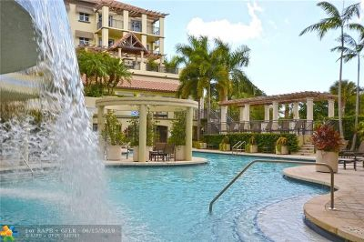 Wilton Manors Condo/Townhouse For Sale: 2631 NE 14th Ave #216