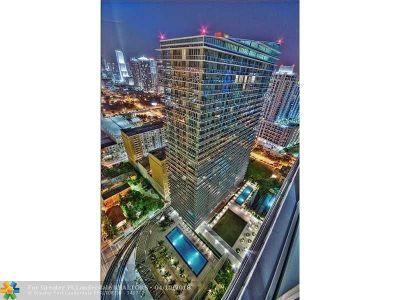 Miami Condo/Townhouse For Sale: 79 SW 12th St #2702-S