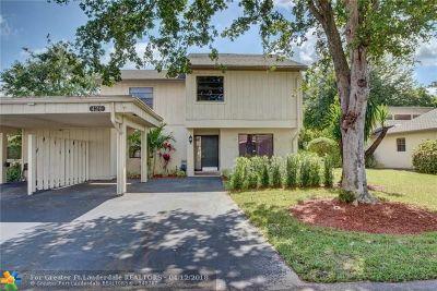 Deerfield Beach Condo/Townhouse For Sale: 426 Wildwood Ln #426