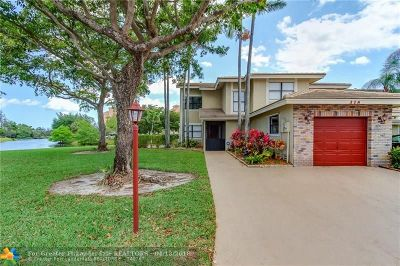 Deerfield Beach Single Family Home For Sale: 318 Lakeside Way