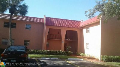 West Palm Beach Condo/Townhouse For Sale: 340 Lake Frances Dr #337