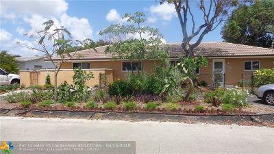 Oakland Park Multi Family Home For Sale: 1699 NE 33rd St