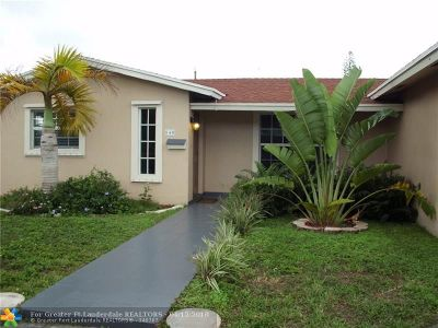 Oakland Park Single Family Home For Sale: 840 NW 35th St