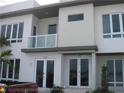 Doral Single Family Home For Sale: 6424 NW 104th Ct