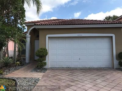 Coral Springs Single Family Home For Sale: 12401 NW 54th Ct