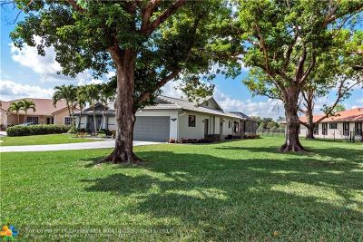 Coral Springs Single Family Home For Sale: 122 SW 99th Way