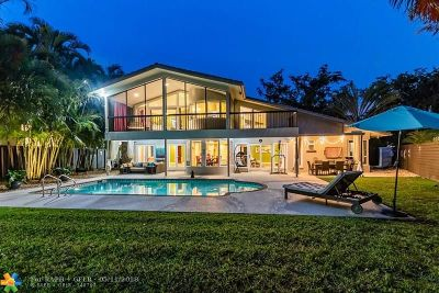 Plantation Single Family Home For Sale: 8830 S Lake Dasha Dr