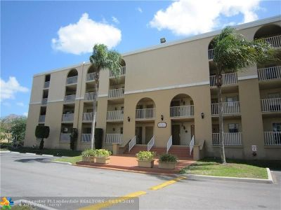 Pembroke Pines Condo/Townhouse For Sale: 7980 N French Dr #3-102