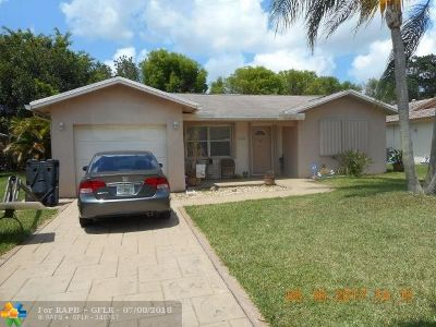 Tamarac Single Family Home For Sale: 10709 NW 81st St