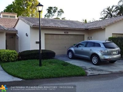 Lauderhill Condo/Townhouse For Sale: 3406 Spring Bluff Pl #.