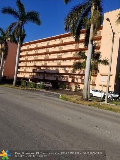 Hallandale Condo/Townhouse For Sale: 1000 NE 14th Ave #605