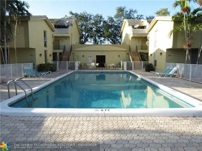 Coral Springs Condo/Townhouse For Sale: 8401 W Sample Rd #21