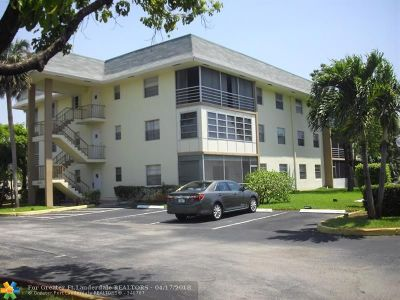 Tamarac Condo/Townhouse For Sale: 4990 E Sabal Palm Blvd #211