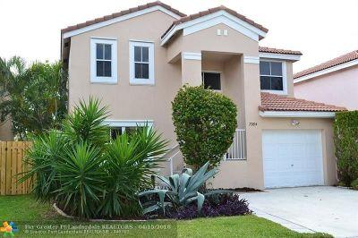 Margate Single Family Home For Sale: 7364 Viscaya Cir