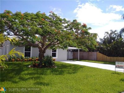 Lake Worth Single Family Home For Sale: 3209 Giuliano Ave