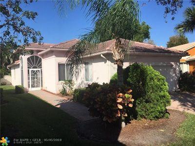 Boynton Beach Single Family Home For Sale: 8035 Pisa Dr
