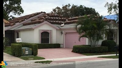 Boynton Beach Single Family Home For Sale: 10388 Lexington Cir