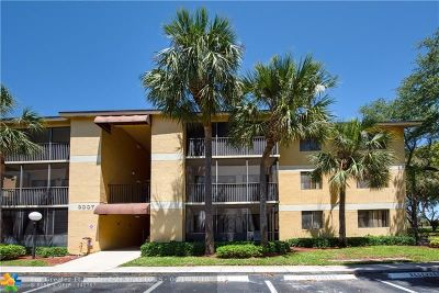 Oakland Park Condo/Townhouse For Sale: 3007 N Oakland Forest Dr #303